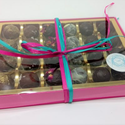 Assorted 24 truffles (closed box)